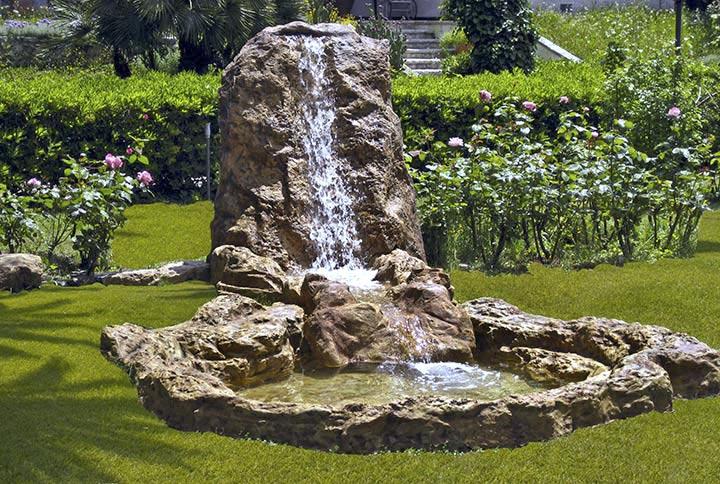 Cascata Per Laghetto Da Giardino : Laghetti da giardino good laghetti da giardino per pesci e