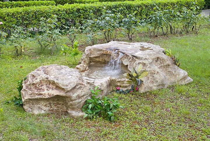Laghetti giardino laghetti artificiali per arredo for Laghetti artificiali usati